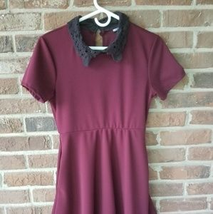 Hot Topic lace collar dress w/ POCKETS